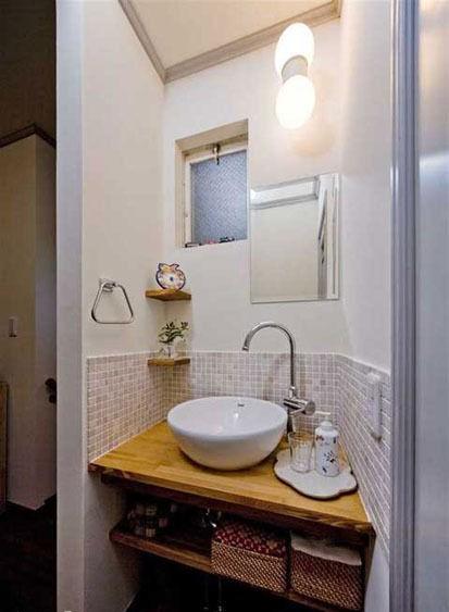 日式风格浴室装修,原木80平小户型装修效果图.